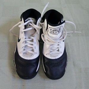 Nike elite boys hightop perfect sneakers 3Y